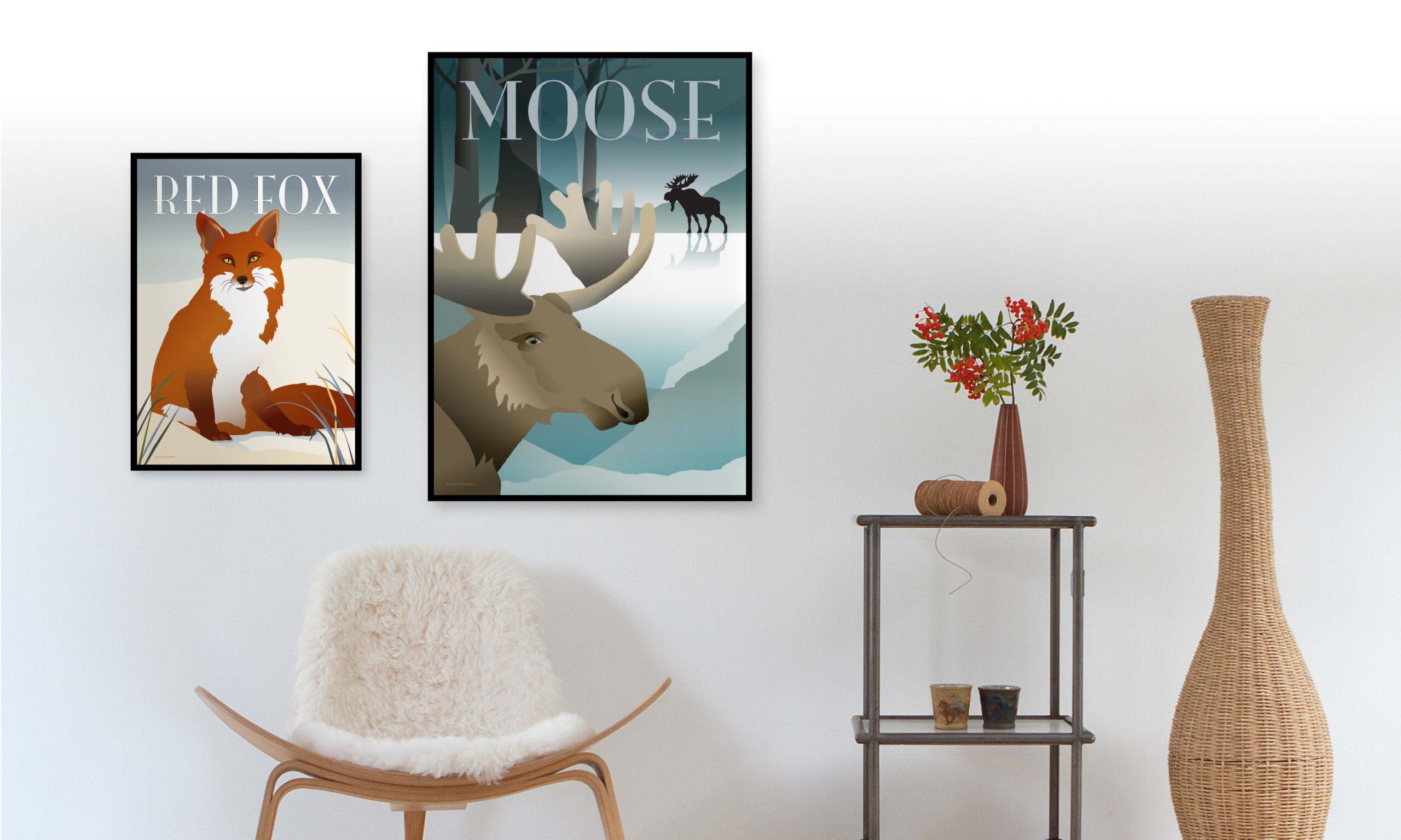 Den søge Ræv og elgeplakaten hænger på vægen i stuen