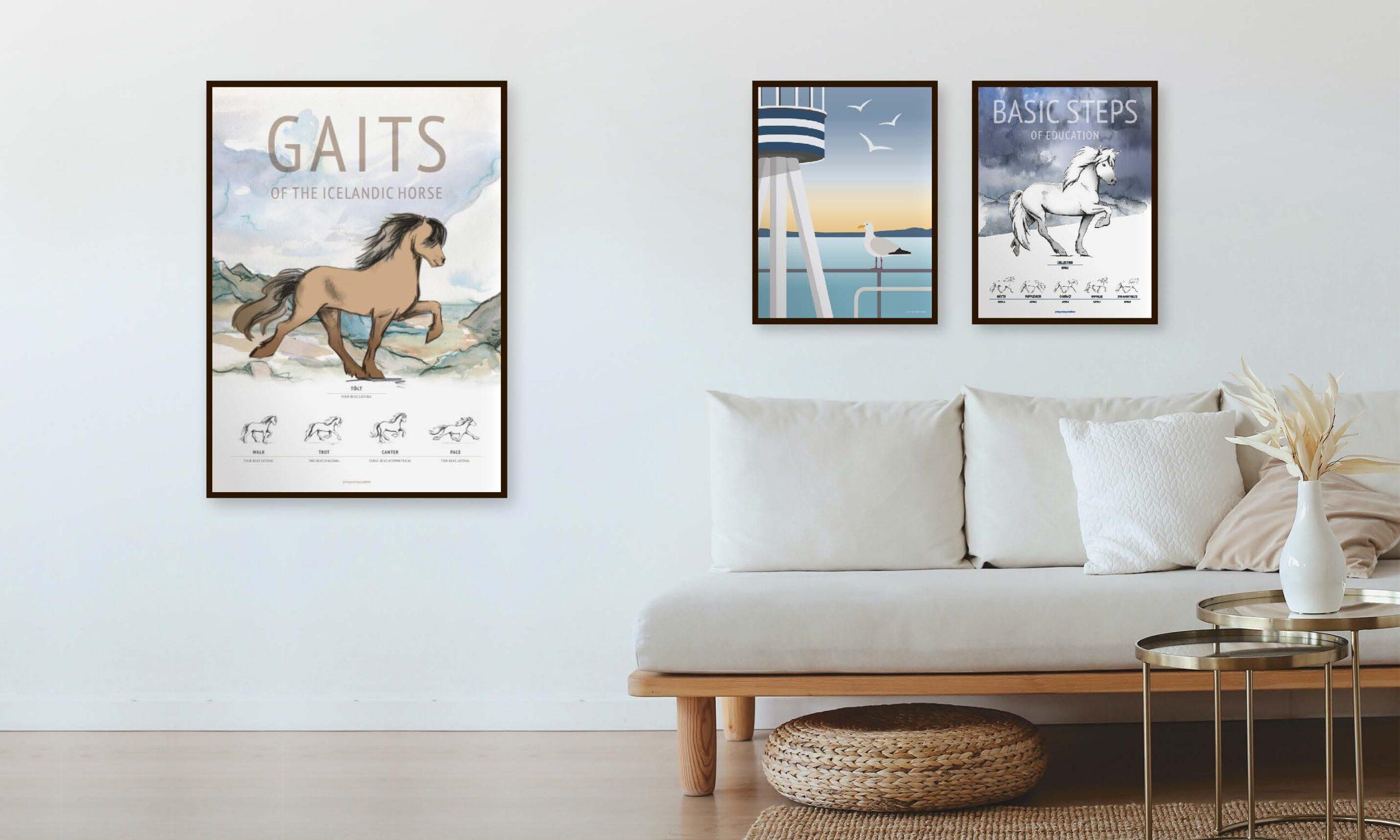 Plakater med islænderheste og mågen hænger i stuen
